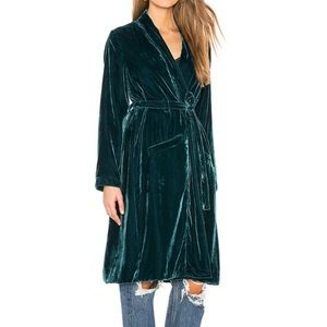 Cupcakes and Cashmere Albany Velvet Duster